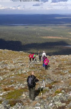 Vaeltajat tunturissa - maisema lapinmaisema tunturimaisema Lappi luonto… Trekking, Album, Mountains, Nature, Travel, Naturaleza, Viajes, Destinations, Traveling