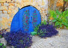 Beautiful blue door!!