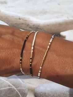Raffia Earring DIY Tutorial by Make and Fable Simple Jewelry, Cute Jewelry, Jewelry Accessories, Jewelry Design, Bead Jewellery, Beaded Jewelry, Jewelery, Handmade Jewelry, Diy Tassel Earrings
