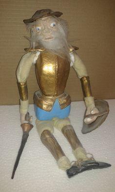 """""""Don Quijote"""" Marioneta; Tecnica de papel Maché."""