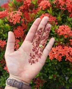Mehndi Desing, Henna Art Designs, Eid Mehndi Designs, Mehndi Designs For Girls, Beautiful Henna Designs, Best Mehndi, Henna Mehndi, Modern Henna, Mehendhi Designs