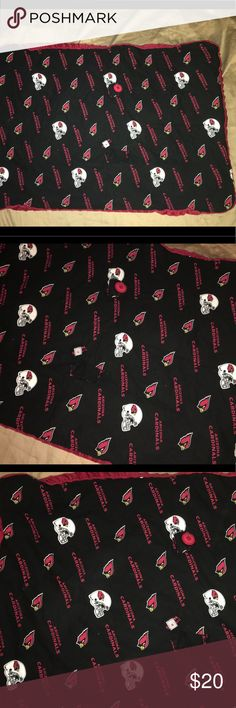 """Arizona Cardinals handmade baby / changing blanket Thank you for viewing my listing, for sale is an Arizona cardinals, handmade, 36"""" x 26"""", baby blanket.  Blanket is very soft, this can be used as a changing blanket, a play mat, a very soft blanket to cover up with. Item is in excellent condition with no rips or stains.  If you have any questions or would like additional photos please feel free to ask. handmade Accessories"""