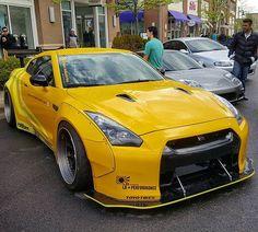 Widebody Nissan GTR Owner: @d2ind_freddy