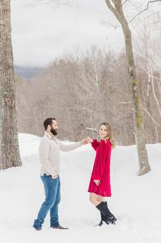 Best of 2020 Couples Sessions | Caitlin Page Photography | Get more outfit inspiration from this post full of engagement sessions. #engagementphotos #newenglandengagement Clothing Photography, Couple Photography, Engagement Photography, Engagement Session, Wedding Photography, Winter Engagement Photos, Photo Look, New Hampshire, Couple Photos