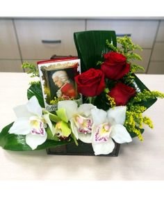 Aranjament floral in cufar cu 3 trandafiri, 4 cupe de orhidee, solidago si praline Mozart 120g Flower Arrangements, Table Decorations, Gifts, Home Decor, Floral Arrangements, Presents, Decoration Home, Room Decor, Favors