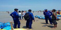 Satpol Air Rembang Hentikan Aktivitas Lomban di Karangjahe http://ift.tt/2BEbPDI