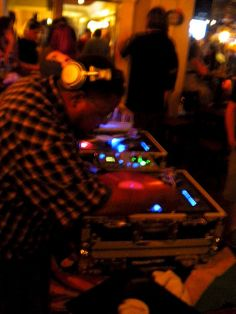 Roots, Dub & Dancehall Reggae     The leading site in producing DJ drops and DJ jingles.  http://mydjdrop.com/
