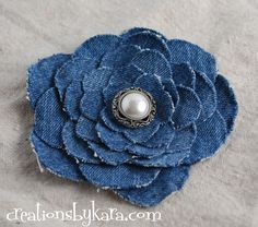 Upcycled Denim Flower Tutorial May 2010 by Kara Cook Step by step instructions for making a beautiful denim flower from an old pair of jeans. Denim Flowers, Fabric Flowers, Felt Flowers, Flowers Vase, Jean Crafts, Denim Crafts, Fabric Crafts, Sewing Crafts, Sewing Projects