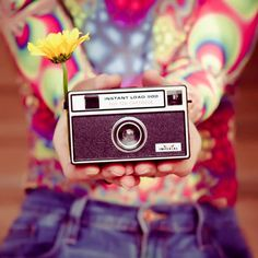 vintage style | We Heart It | camera, vintage, and flowers