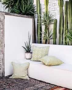 Textile Love Outdoor custom made daybeds Beachwood timber and fabric choices G scatter cushions New England Decor, Outdoor Spaces, Outdoor Living, Decorating Your Home, Interior Decorating, White Washed Floors, India Design, Coastal Decor, Coastal Living