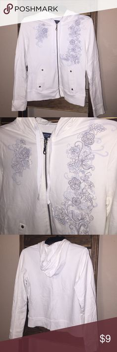 """Life + Style Women's White Zip up hoodie Sonoma Women's Small White zip up hoodie. Great, clean condition. Nice embroidered print on front with pockets. Long sleeved hoodie. Bust measures 16.5"""" and length 21"""". Comes from smoke free home. Sonoma Tops Sweatshirts & Hoodies"""