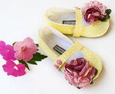 Yasmine bloom baby booties/ maryjanes by ivoryandmoss on Etsy, $30.00