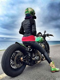 Custom Japanese Harley-Davidson. http://club.m.autohome.com.cn/bbs/threadowner-o-210163-43774332-1.html