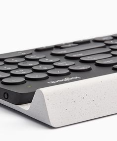 Logitech, Logi, keyboard, plastic, white, black, specks
