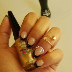 "هذه #أظافر اليوم  Edgy Black and Gold French Nails using Essence-Colour & Go #144 in ""Black is Black"" and Golden Rose-Nail Art #129"