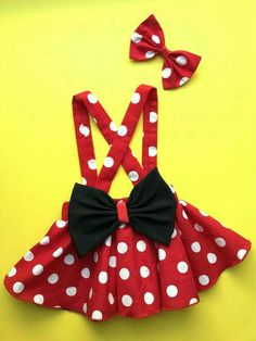 Minnie Mouse birthday outfit Red Pink polka dots criss cross suspenders circle SKIRT ONLY, with a matching hairbow, Baby infant toddler girl - Babykleidung Mickey Mouse Kostüm, Minnie Mouse Birthday Outfit, Minnie Mouse Costume Toddler, Toddler Girl Costumes, Mouse Outfit, Kids Outfits, Cute Outfits, Criss Cross, Diy Dress