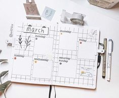 kelly | bullet journal & art 🌙 sur Instagram: Second weekly of March! ✨ . I am working on getting the shop reopening, so I spend all weekend cutting stickers aha but I am very excited!…