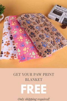 Keep your pet comfy and toasty with this delicately fabricated paw-print fleece blanket for free. 😍😍😍 Check it out now! Only shipping fees apply. Cute Wallpapers For Computer, Cat Tree House, Pet Organization, Winter Blankets, Cocker Spaniel Puppies, Baby Animals Pictures, Dog Cookies, Puppy Food, Pet Paws
