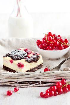 """Redcurrant """"Zupfkuchen"""" (kind of Cheesecake) // Johannisbeer-Zupfkuchen • from Maras Wunderland"""