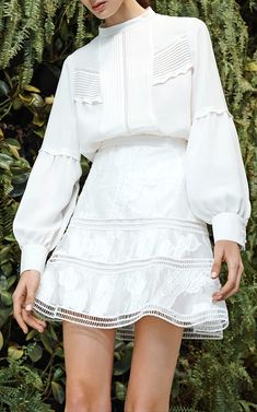 Best Vintage Outfits Part 23 Yeezy Fashion, Fashion 2020, Fashion Trends, Fashion Fashion, Mode Chic, Pinterest Fashion, Looks Style, White Fashion, Cute Dresses
