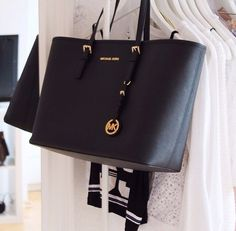 Michael Kors Handbags are classic and instantly recognizable. #Michael #Kors #Handbags
