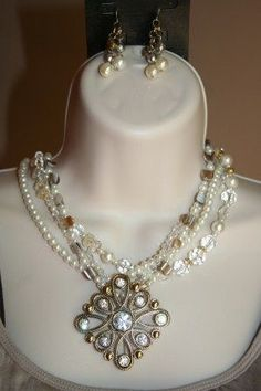 Daydream-Necklace with Glorious-Pin & Wow Factor-Earrings - Premier Designs