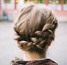 Hairstyles for humid days