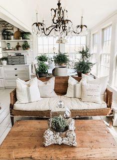 32 Fresh Shabby Chic Living Room Decor Ideas on A Budget Living Room Sofa Design, Living Room Designs, Living Room Decor, Living Rooms, Barn Living, Chandelier In Living Room, Living Room Remodel, Country Decor, Farmhouse Decor