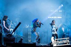 "Tarja Turunen and Alissa White-Gluzz singing ""Demons In You"" live at ""Wacken Open Air 2016"" 05/08/2016 #tarja #tarjaturunen #wackenopenair #wacken #wacken2016 PH: Festival Photo http://www.festivalphoto.se/index.php"
