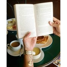#TristineReads #books #bookworm #bibliophile #bookporn #paulocoelho #thealchemist
