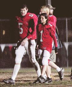 Glee Cast Photos: Rachel Berry Joins the Football Team? Glee Rachel And Finn, Finn Glee, Lea And Cory, Rachel Berry, Glee Memes, Finn Hudson, Glee Club, Chris Colfer, Cory Monteith
