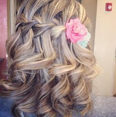 waterfall braid wedding hair-Perfect for the girl's hair for the wedding ..!!