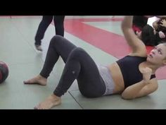 WATCH: UFC SUPERSTAR Ronda Rousey INSANE KILLER Abs Core Workout - YouTube