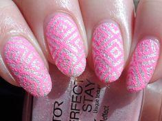 Textured Stamping mit Born Pretty Store BP-L004 und Mundo de Unas Orchid