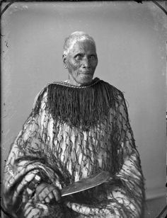 Wiremu Te Manewha [Between 1880 and Dry plate glass negative, part of Carnell, Samuel : Maori portrait negatives, Photographic Archive.