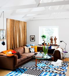 living room. love the carpet and balance of colors.