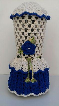 Capa para Liquidificador em crochê  Confecção artesanal  Feito em barbante    A pronta entrega:  1 disponível na cor azul escuro.