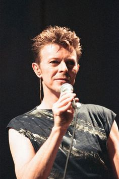 David Bowie performing at the NEC, Birmingham. Outside Tour. 21st November 1995.