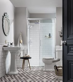The best collection of Victorian Bathroom Design Ideas Victorian Bathroom Mirrors, Antique Bathroom Decor, Edwardian Bathroom, Victorian Style Bathroom, Bathroom Layout, Modern Bathroom Design, Bathroom Ideas, Bathroom Designs, Garage Bathroom