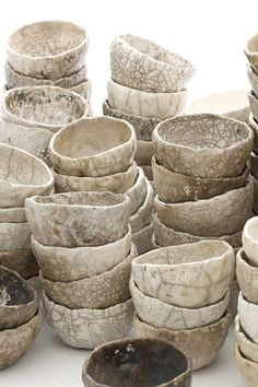 Marika Akilova, White Racu Bowls   par marika-keramika