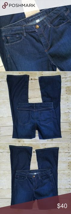 """Banana Republic Flare Leg Jeans Awesome Banana Republic jeans in dark blue wash with slight high rise. Style is Flare. 89% cotton 8% polyester 3% spandex. Laying flat waist measures about 16"""", front rise measures about 9"""", and inseam measures about 33"""". Banana Republic Jeans Flare & Wide Leg"""