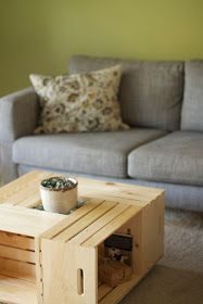 Team Gilster: DIY – Wood crate coffee table Source by jillwedge Wine Crate Table, Wooden Crate Coffee Table, Diy Wooden Crate, Painted Coffee Tables, Diy Coffee Table, Diy Table, Rooms Home Decor, Diy Home Decor, Diy Ottoman