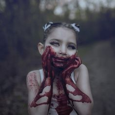 Die Leute werden wegen dieser Zombie-Kinder-Fotos zu Furien