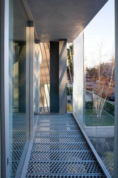Image 23 of 26 from gallery of Green Houses / Sander Architects. Residential Architecture, Contemporary Architecture, Interior Architecture, Interior Design, Steel Frame House, California Cool, Building Exterior, Higher Design, Steel Buildings