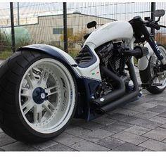 #custombike #harleydavidson