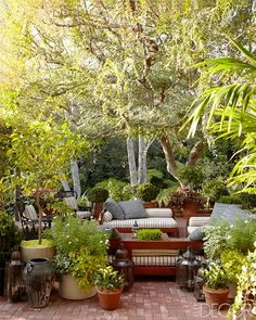 Small Patio Decor Ideas for a Gorgeous Outdoor Oasis Outdoor Areas, Outdoor Rooms, Outdoor Living, Outdoor Decor, Outdoor Seating, Outdoor Patios, Outdoor Kitchens, Outdoor Lounge, Dream Garden