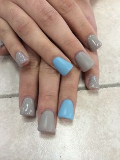 Sky blue and grey matte nails