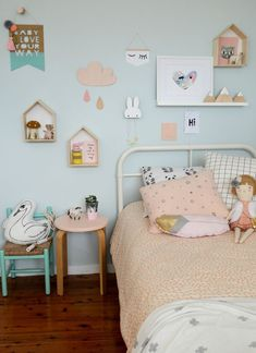 Girl's room in pastel tones
