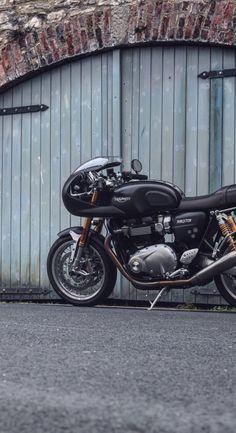 Triumph Thruxton R [Warehouse doors] Retro Motorcycle, Motorcycle Style, Motorcycle Gear, Blitz Motorcycles, Cool Motorcycles, Custom Cafe Racer, Scrambler Custom, Triumph Cafe Racer, Triumph Bikes