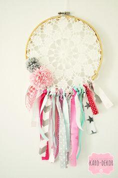 dreamcatcher grey pink minty pompons